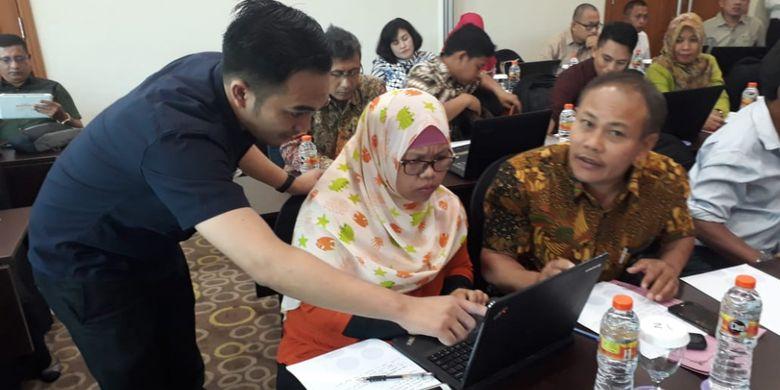 Para peserta ratek Asuransi Usaha Tani Padi (AUTP) dan Asuransi Usaha Ternak Sapi (AUTS) mengikuti workshop pendaftaran peserta asuransi pertanian dengan menggunakan aplikasi SIAP, Selasa (12/02/2019).