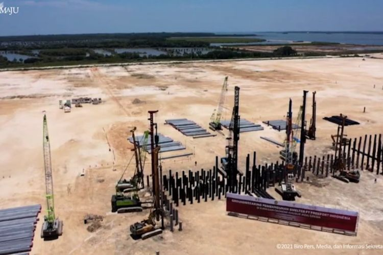 Pembangunan smelter PT Freeport Indonesia di Kawasan Ekonomi Khusus (KEK) JIIPE, Kecamatan Manyar, Gresik.