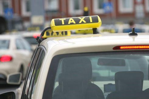 Seorang Bayi Berusia Sehari Tertinggal di Dalam Taksi