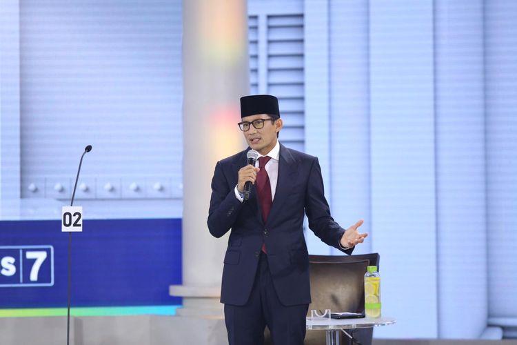 Calon wakil presiden nomor urut 02 Sandiaga Uno berbicara dalam debat ketiga Pilpres 2019 di Hotel Sultan, Jakarta, Minggu (17/3/2019) malam. Peserta debat ketiga kali ini adalah cawapres masing-masing paslon dengan tema yang diangkat adalah pendidikan, kesehatan, ketenagakerjaan, sosial, dan budaya.