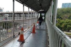 Jembatan Transit Grogol Rusak dan Bahayakan Pengguna