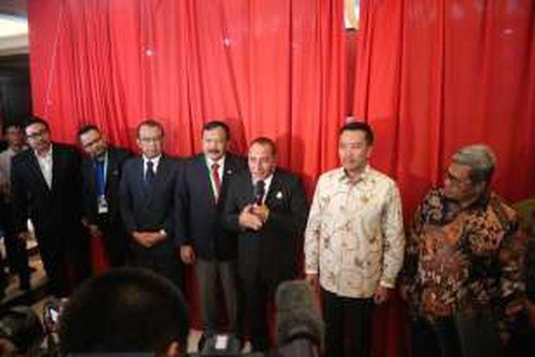 Ketua Umum PSSI, Edy Rahmayadi, memberi sambutan menjelang Kongres Tahunan di Hotel Aryaduta Bandung, Minggu (8/1/2017).