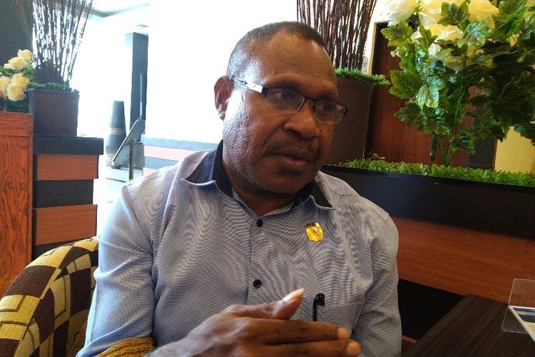 Ketua KPU Papua, Theodorus Kossay