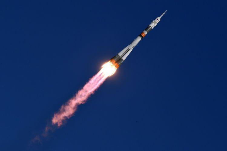 Pesawat ruang angkasa Soyuz MS-07 saat diluncurkan dari Baikonur Cosmodrome pada 17 Desember 2017.