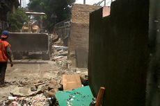 125 Bangunan Liar Dibongkar di Kramat Senen