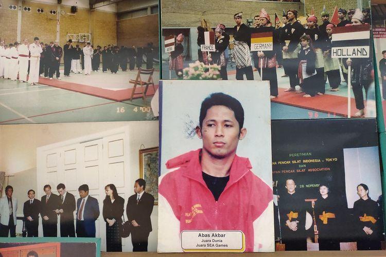 Foto-foto ketika pencak silat tampil di ajang olahraga terpajang di Museum Padepokan Pencak Silat Indonesia, Jakarta Timur, Jumat (13/12/2019).