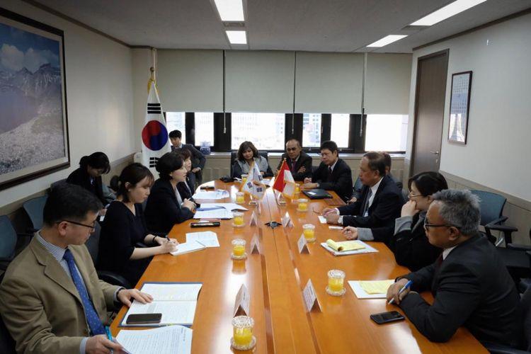 Menteri Riset Teknologi dan Pendidikan Tinggi Mohamad Nasir melakukan kunjungan kerja ke Seoul, Korea Selatan, (25-26/2/2019).