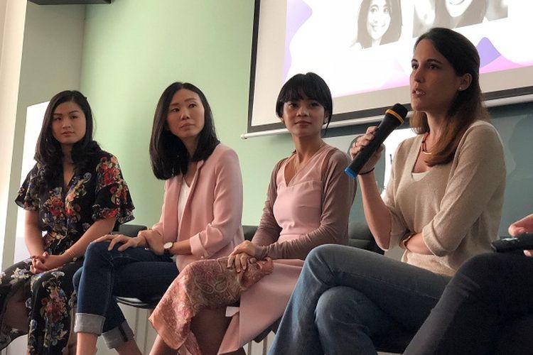 Alpha JWC Ventures telah melaksanakan diskusi Alpha Leader Series dengan tema ?Alpha Female: How We Tech Up? di Spacemob Gama, Jakarta. Pada acara ini, panelis yang terdiri dari Dayu Dara Permata (SVP GO-JEK, Head of GO-LIFE), Grace Natalia (Co-Founder AsmaraKu), Sonia Barquin (Partner, Digital Banking di McKinsey & Co), dan Alyssa Maharani (Google Launchpad Accelerator Startup Success Manager) membahas bagaimana perempuan bisa maju di dunia kerja, terutama di industri teknologi pada Minggu (24/2/2018).