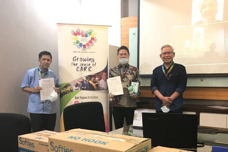 Penandatanganan MoU pembangunan sekolah antara Happy Hearts Indonesia dengan PT Softex Indonesia di Jakarta (11/6/2020.