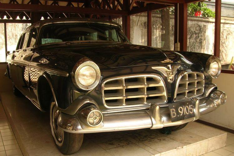 Mobil Peristiwa Cikini adalah mobil berbahan baja anti peluru yang digunakan saat peristiwa dalam upaya membunuh Presiden Soekarno.