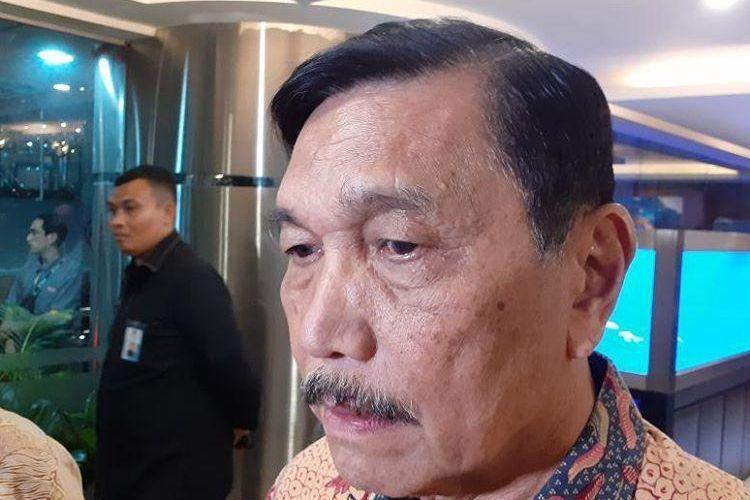 Menteri Koordinator Bidang Kemaritiman (Kemenko Maritim) dan Investasi Luhut Binsar Pandjaitan ditemui di kantornya, Selasa (19/11/2019).