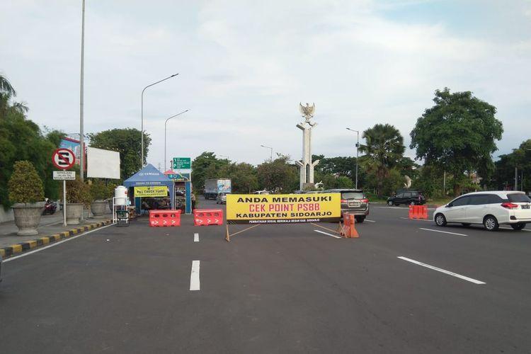 Akses keluar Sidoarjo Jalur A (dari arah Surabaya) menjadi salah satu titik check-point di Jawa Timur.