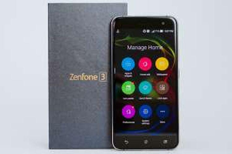 ZenFone 3 ZE520KL dan kotak kemasannya.