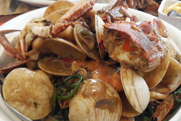 Seafood curry, salah satu menu makanan halal di Cebu, Filipina.
