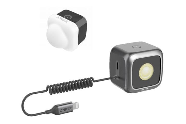 Anker LED Flash untuk iPhone 11.