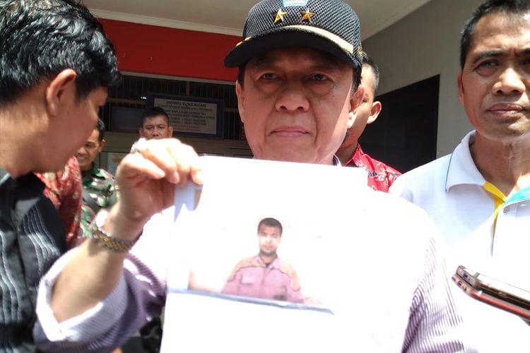 Kepala Kantor Wilayah Kementerian Hukum dan HAM, Sudirman D Hurry saat memberikan keterangan  terkait kaburnya 4 napi di Rutan Klas 1A Pakjo Palembang.
