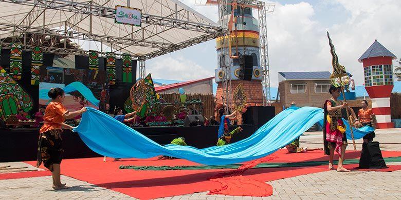 Sendratari Legenda Rawa Pening saat Soft Opening Saloka Theme Park (15/12/2018).