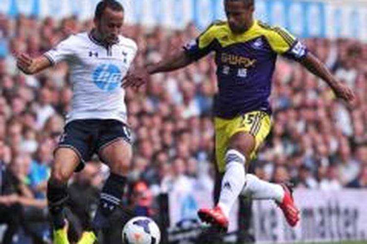 Gelandang Tottenham Hotspur, Andros Townsend.