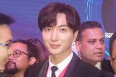 Momen Menggemaskan Leeteuk Suju dan Penggemar Cilik di SM Entertainment Jakarta
