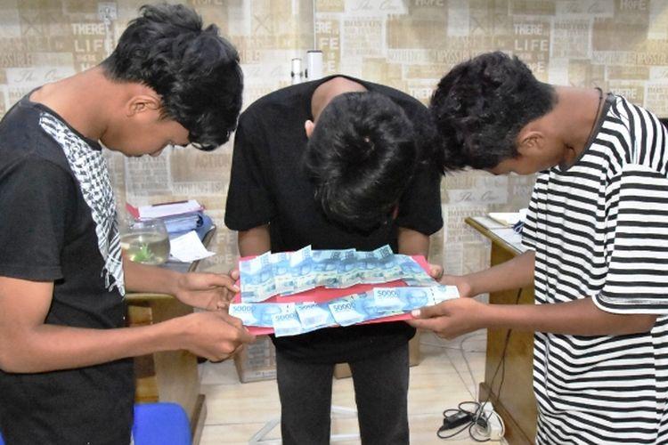 Tim Polres Aceh Timur, menangkap  pengedar uang palsu di Kabupaten Aceh Timur, Jumat (12/6/2020).