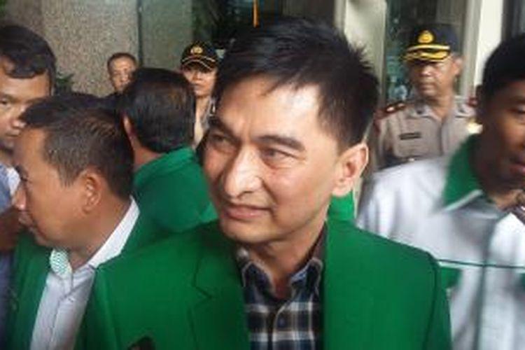 Sekjen PPP hasil Mukatamar Jakarta, Dimyati Natakusumah, di Gedung Kementerian Hukum dan HAM, Jakarta Selatan, Senin (4/1/2016).