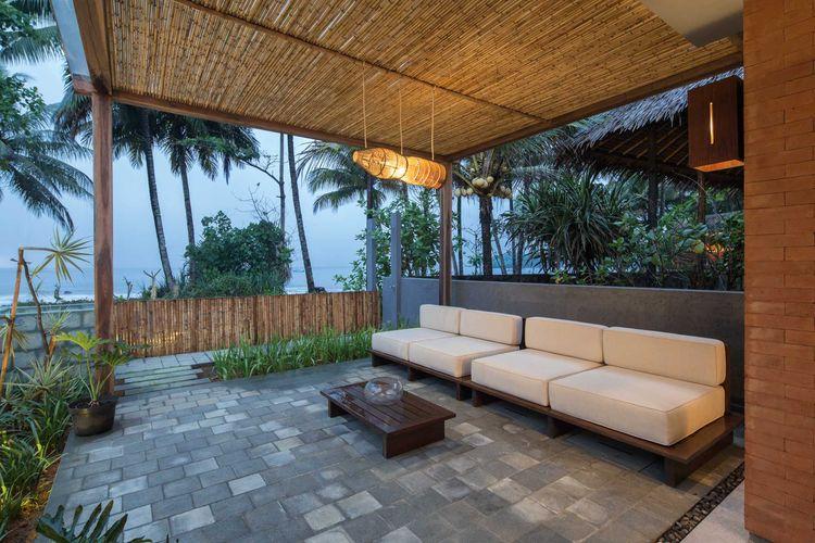 Teras Batu Karas Villa karya Erwin Kusuma
