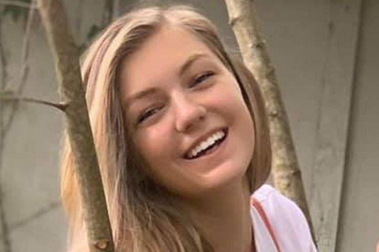 Gabby Petito, seorang gadis berusia 22 tahun yang hilang sejak awal September. Kepolisian di Wyoming, Amerika Serikat (AS) menyatakan menemukan jenazah yang ciri-cirinya mirip dengan Petito.