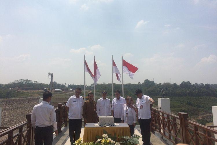 Dirjen Sumber Daya Air Kementerian PUPR Hari Suprayogi beserta meresmikan Bendungan Sindangheula, Serang, Banten, Senin (25/11/2019).