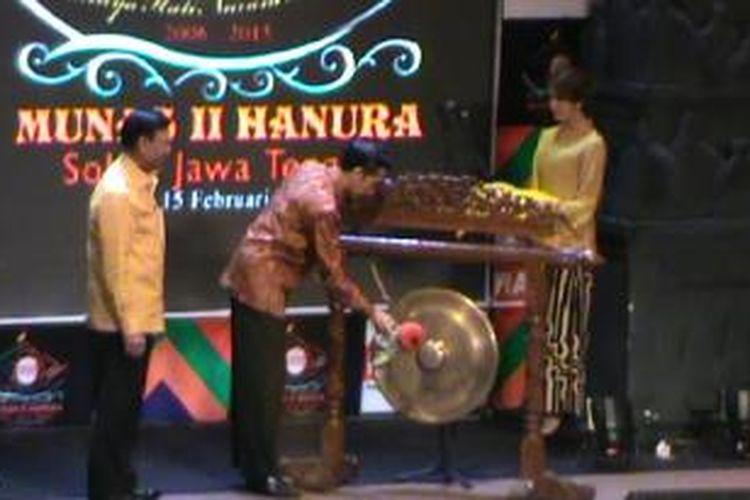 Jokowi dan Wiranto membuka Munas Hanura, Solo, Jumat (13/2/2015).