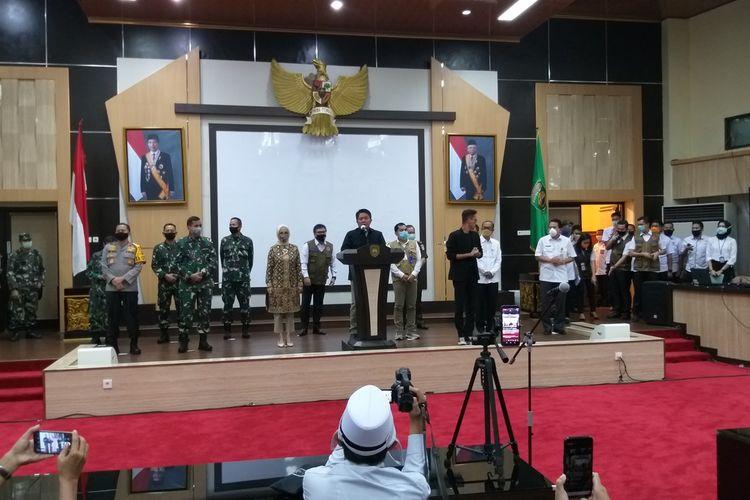 Gubernur Sumsel Herman Deru saat menyampaikan soal pelaksanaan menjelang Pembatasan Sosial Berskala Besar (PSBB) untuk kota Palembang dan Prabumulih, Rabu (13/5/2020).