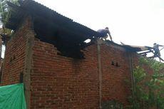 Puluhan Rumah Warga Dompu Rusak Disapu Angin Kencang