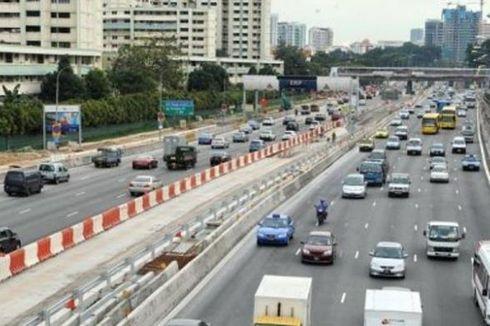 Memotong Kuku sambil Mengemudi, Sopir Bus Singapura Dipecat