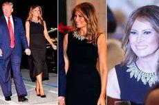 Cantiknya Melania Trump Kenakan Gaun Hitam di Malam Natal