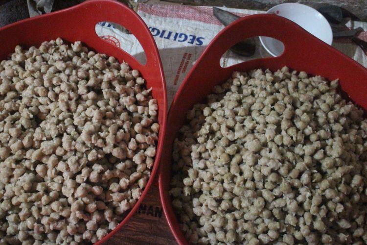 Produk cilok Edy di Kabupaten Jember yang dikembangkan oleh Harsono sejak tahun 1997 sampai sekarang (Kompas.com/Bagus Supriadi)