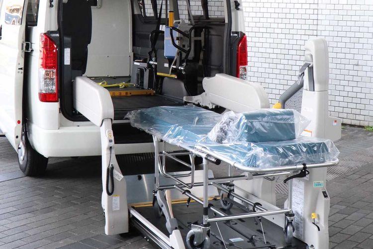 Modifikasi Toyota HiAce jadi kendaraan medis Covid-19