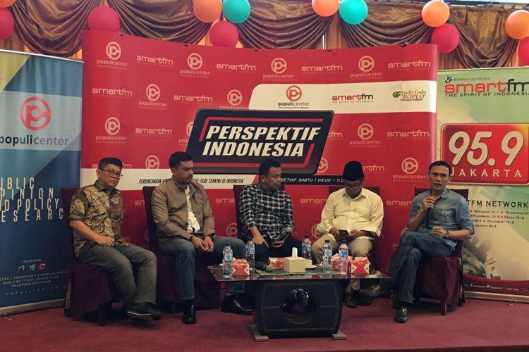 (Dari kiri ke kanan) Politisi Partai Nasdem Taufiqulhadi, Wasekjen Golkar Maman Abdurrahman, Moderator Ichan Loulembah, pengamat politik Ray Rangkuti dan politisi Golkar Mirwan Vauly dalam diskusi Setya Novanto Tersangka Lagi? di Jakarta, Sabtu (11/11/2017).