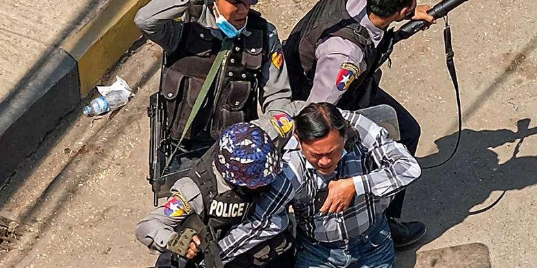 Korban Tewas Demo Myanmar 54 Orang, Begini Respons
