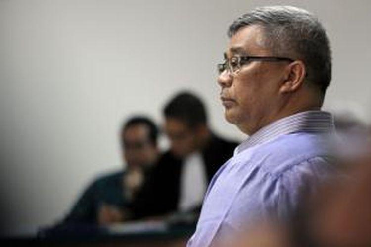 Mantan Ketua Mahkamah Konstitusi (MK) Akil Mochtar bersaksi dalam sidang Tubagus Chaeri Wardhana alias Wawan di Pengadilan Tindak Pidana Korupsi, Jakarta, Kamis (24/4/2014). Wawan dan Akil diduga terlibat dalam kasus suap pengurusan beberapa pilkada di MK.