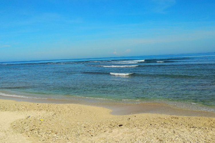 Suasana Pantai Labuhan Jukung, Krui, Kabupaten Pesisir Barat, Lampung pada Jumat (13/4/2018) pagi.
