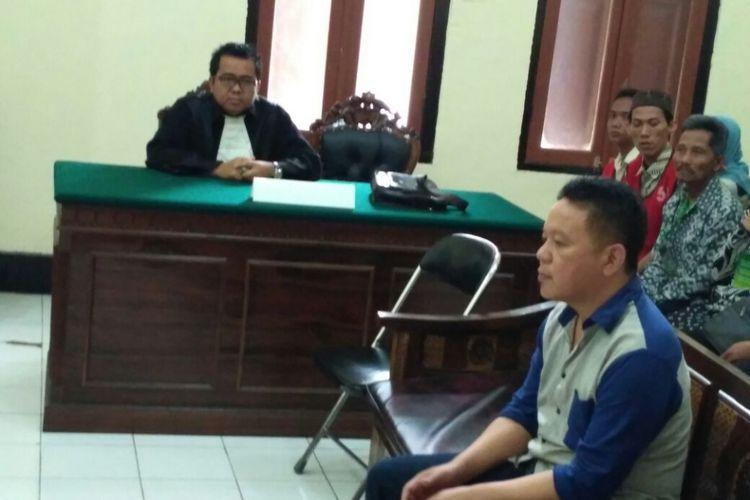 Terpidana mati Aris Setiawan saat sidang di Pengadilan Negeri Surabaya