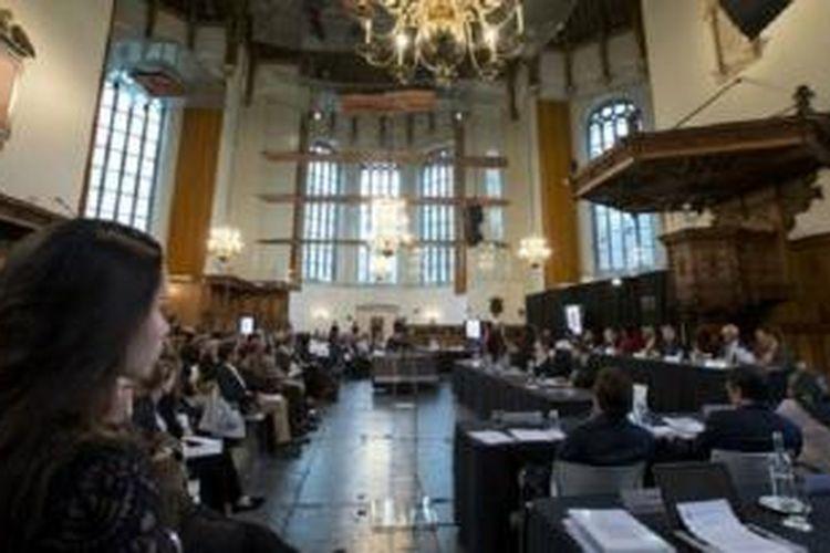Pengadilan Rakyat Internasional (IPT) tidak ada hubungannya dengan pemerintah Belanda.