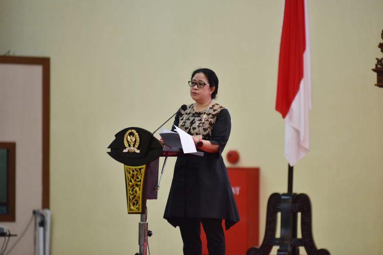 Ketua DPR Puan Maharani dalam acara penandatanganan nota kesepahaman antara DPR dan Badan Pembinaan Ideologi Pancasila (BPIP) di Gedung Parlemen, Jakarta, Senin (21/6/2021).