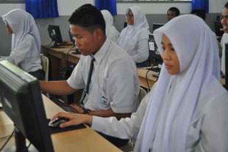 Ujian Nasional Berbasis Komputer di Palu berjalan dengan baik, ditengah  PLN memberlakukan pemadaman bergilir.