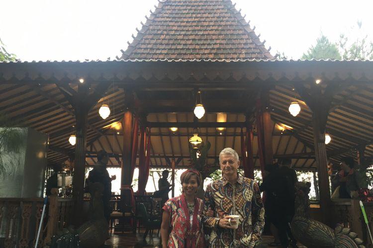 Pemilik The Lodge Group, Heni Nurhaeni Smith dalam acara launching The Bale Restaurant di Lembang, Kabupaten Bandung Barat, Jumat (23/2/2018).