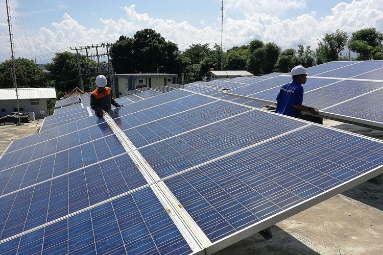Panel surya di PLTS Gili Trawangan, Lombok, NTB