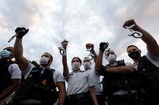 Chokehold Dilarang, Polisi Perancis Merasa Terhina dan Protes Buang Borgol