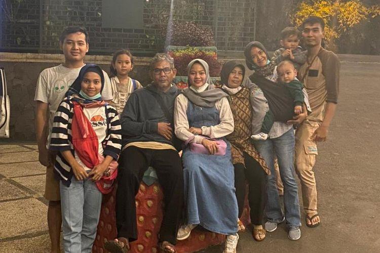 Keluarga Windy Cantika penyumbang medali pertama untuk Indonesia di ajang Olimpiade 2020.