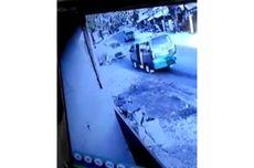 Detik-detik Mobil di Bandung Seruduk Pedagang Siomay yang Tengah Berjualan