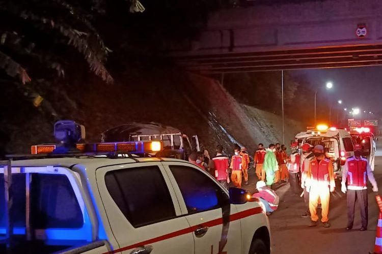Kecelakaan di Tol JORR Seksi S, Rabu, (15/4/2020) pukul 03.00 WIB.