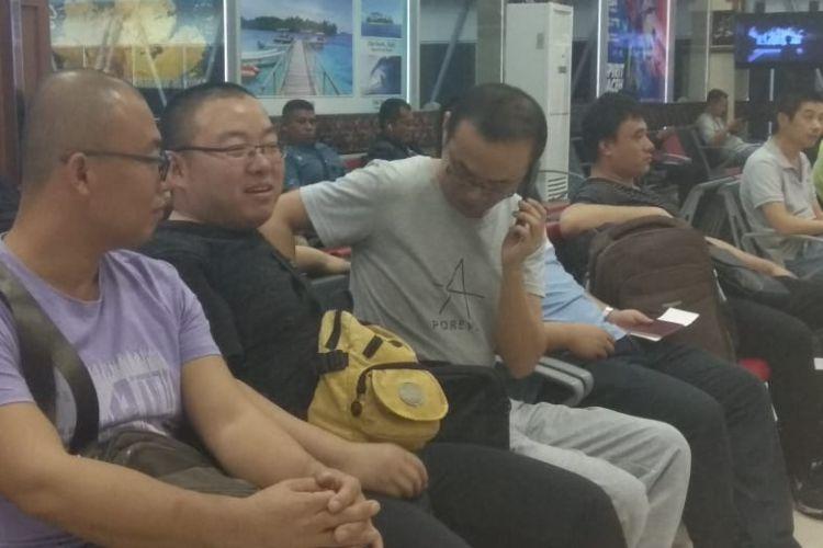Disnaker Aceh akhirnya memulangkan 51 Tenaga Kerja Asing (TKA) yang bekerja pada PT LCI karena tidak sesuai dengan spesifikasi seperti yang tertera didalam surat kontrak.